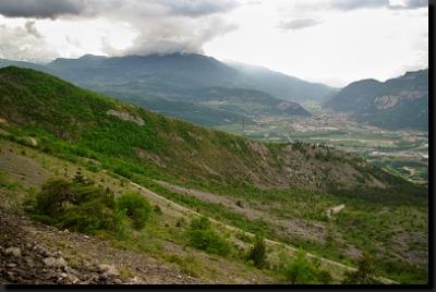 Stráň u Rovereta v italských Alpách, na které se nacházejí stopy dinosaurů