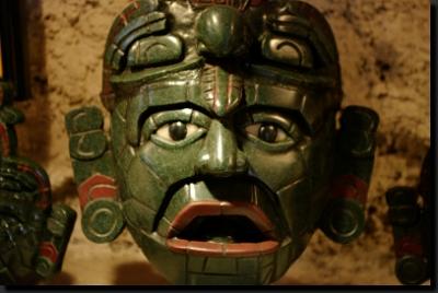 Jadeitová maska jednoho z mayských božstev