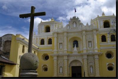 Nádherně zdobené guatemalské kostely