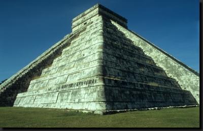 Kukulkanova pyramida v Chichén Itzá