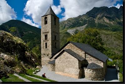 Románský kostelík ve vesnici Boí