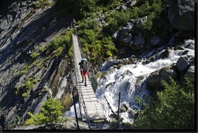 Na visutém mostě nad vodopádem Tricot