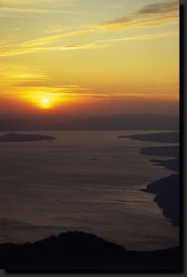 Jadranské pobřeží z pohoří Velebit