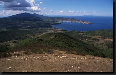 Hornaté vnitozemí ostrova Elba